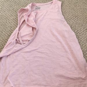 Old navy active wear tank top. Semi fitted